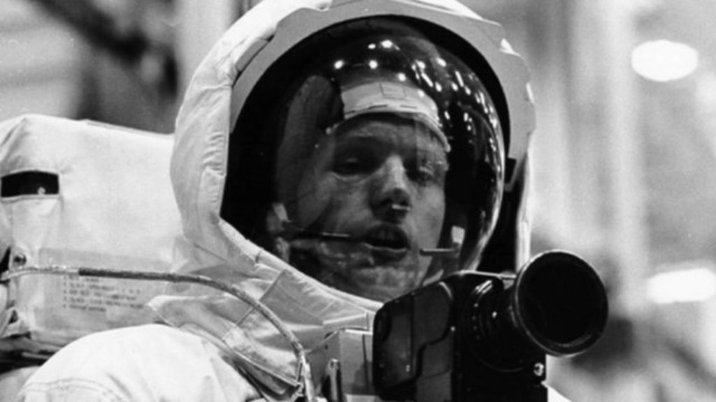 Neil Armstrong's death: Reaction - BBC News