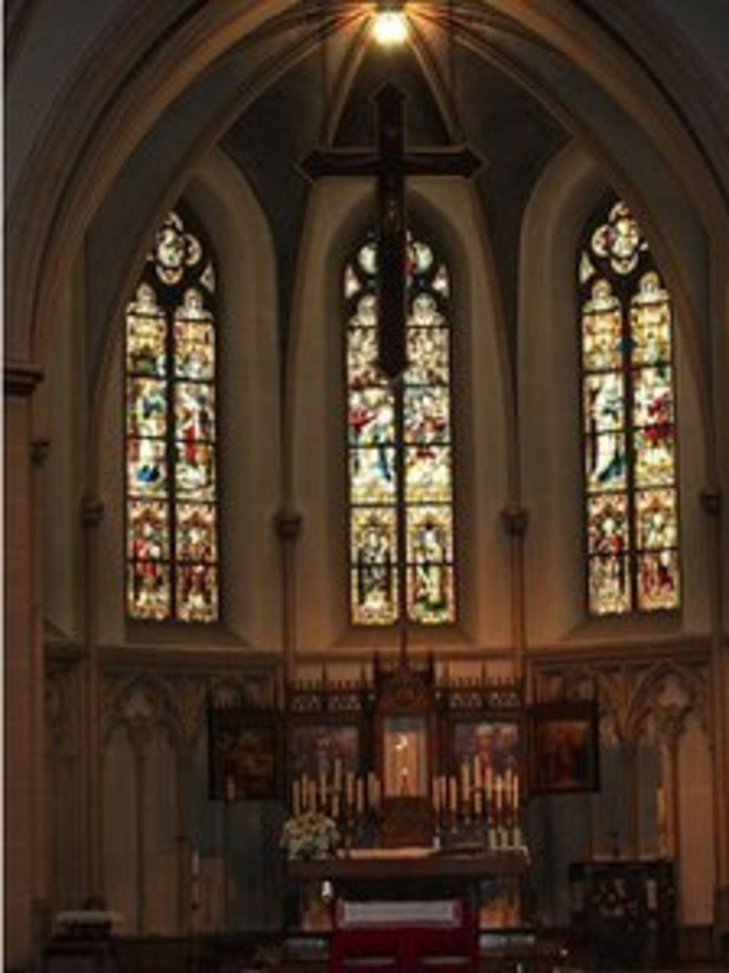German Catholics lose church rights for unpaid tax - BBC News