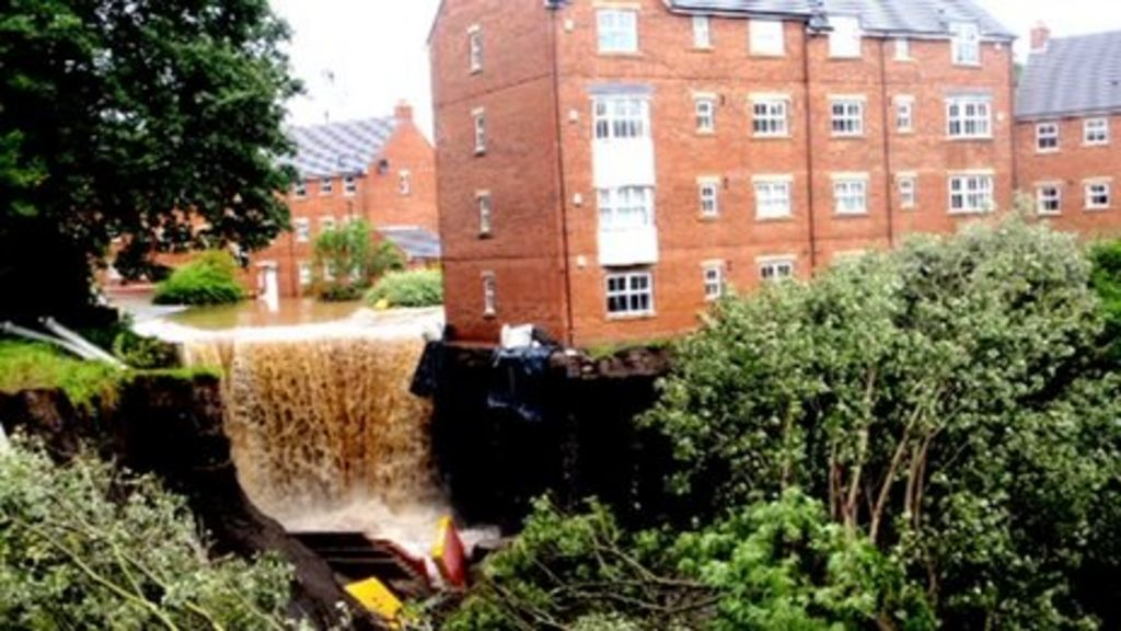 More Newburn flood-hit residents told to leave by council