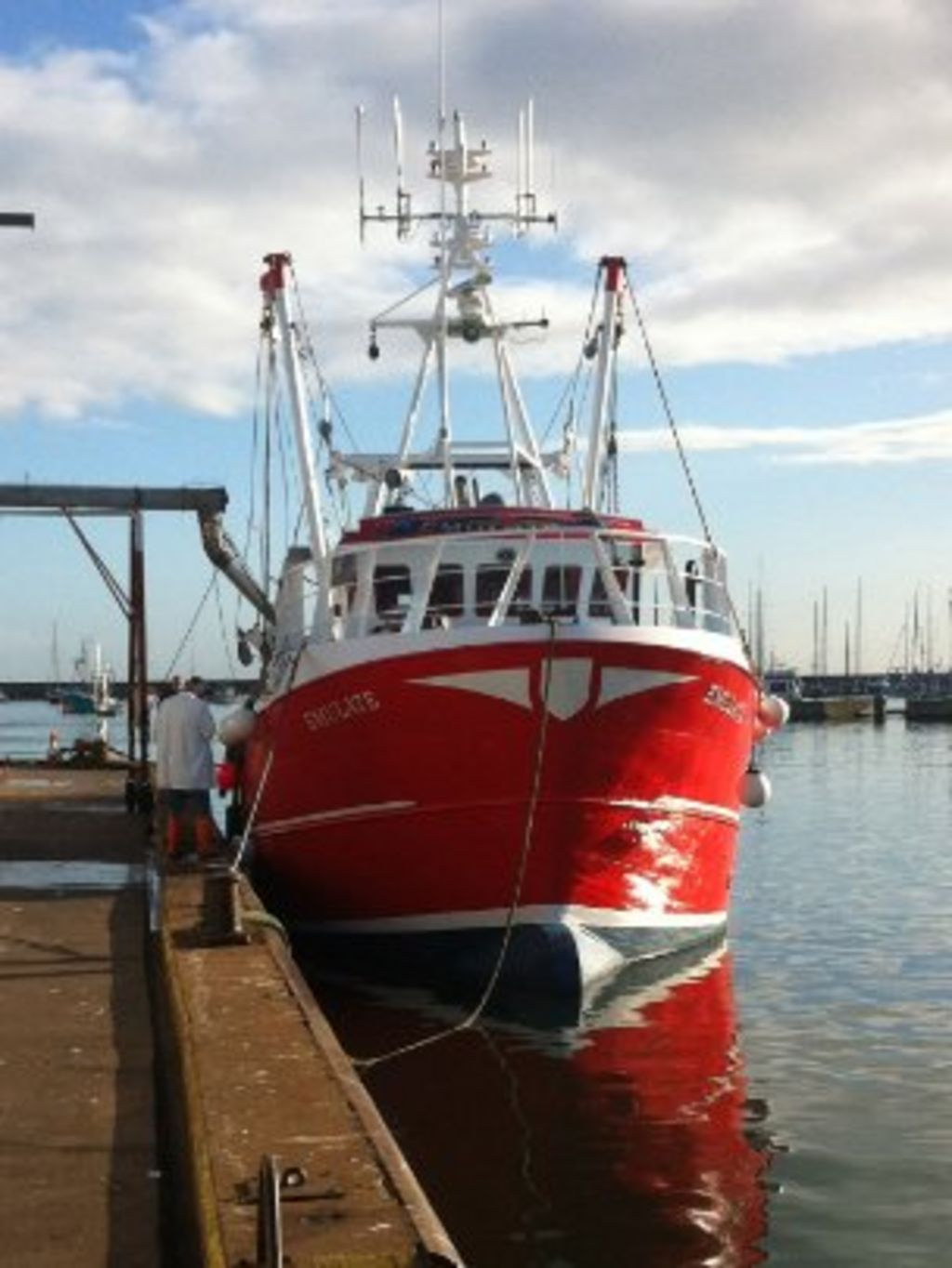 British and French scallop trawler clashes blamed on curbs