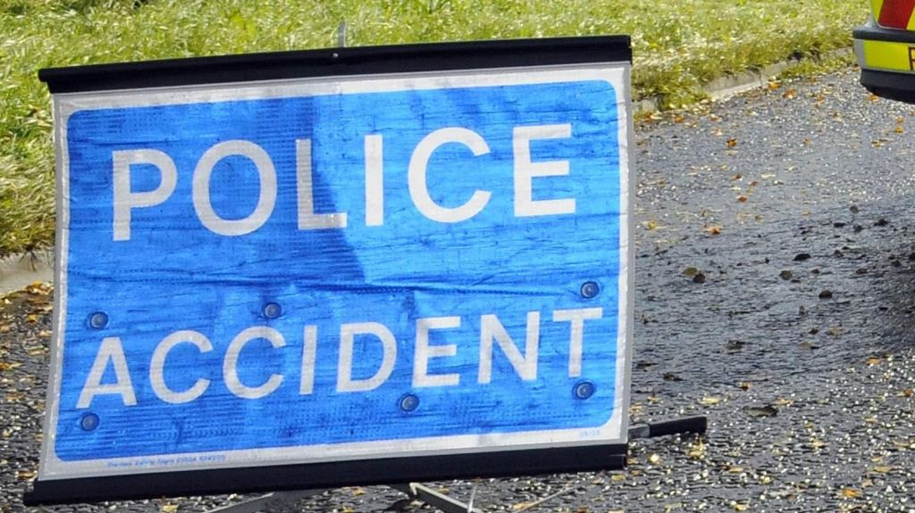 Dungiven accident: Two men injured after two-vehicle crash - BBC News