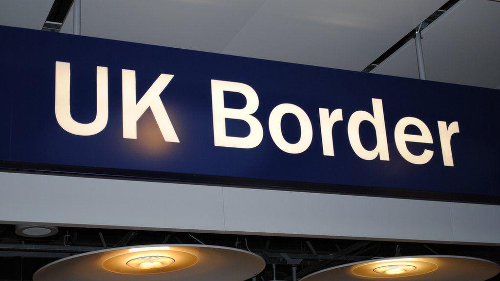 Student visas: UKBA 'failed to check' tip-offs - BBC News