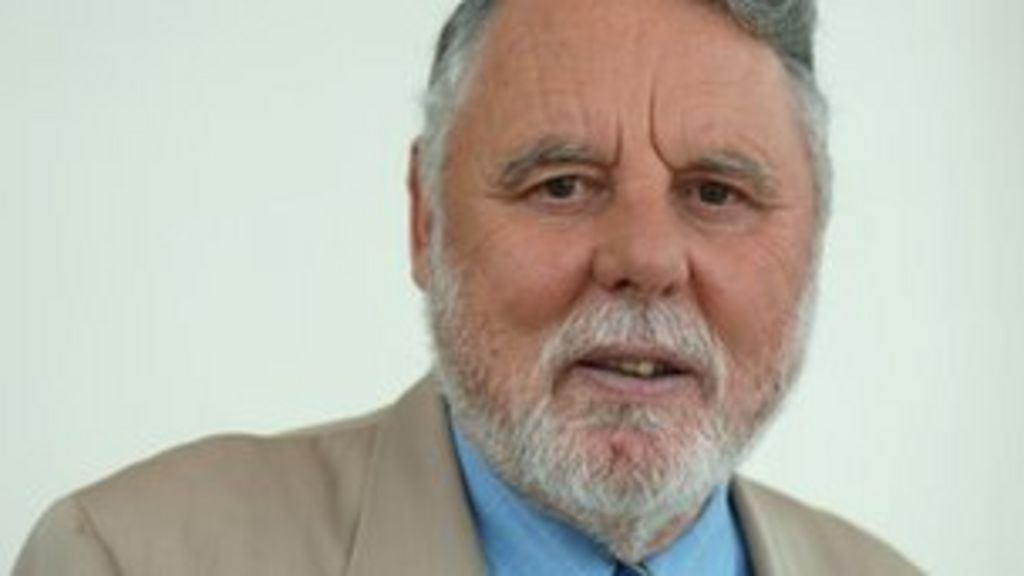 Terry Waite returns to Lebanon 25 years after kidnapping