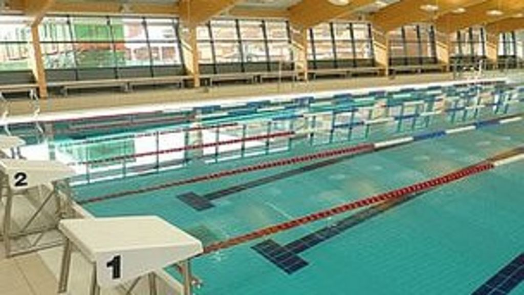 Bridgwater 39 s swimming pool opens to the public bbc for Swimmingpool 3m