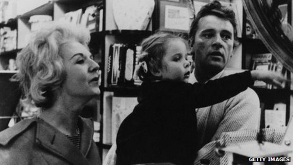 Richard Burton S First Wife Sybil Christopher Dies Bbc News