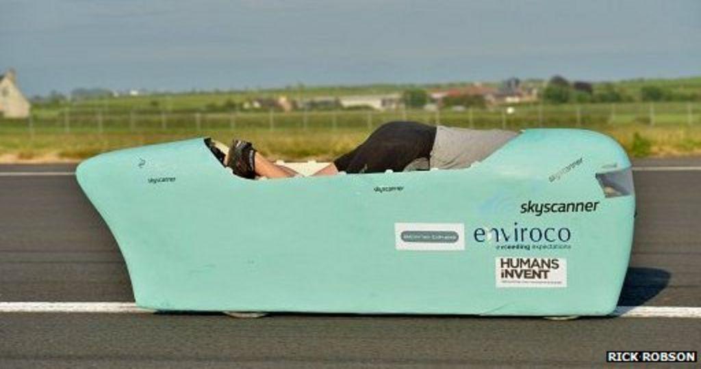 Graeme Obree challenges speed record with radical bike - BBC News