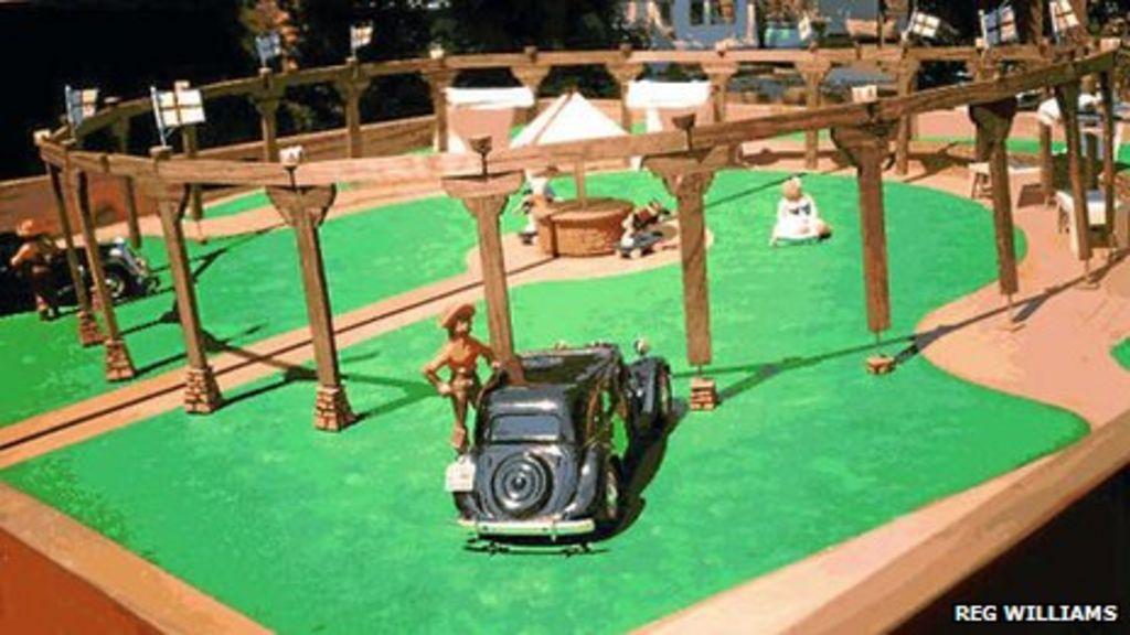 Wombourne Stonehenge wooden replica plan is abandoned - BBC News
