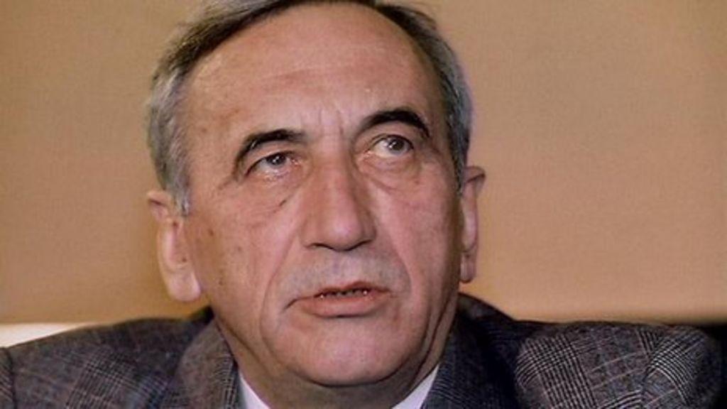 Poland's Former PM Tadeusz Mazowiecki Dies Aged 86