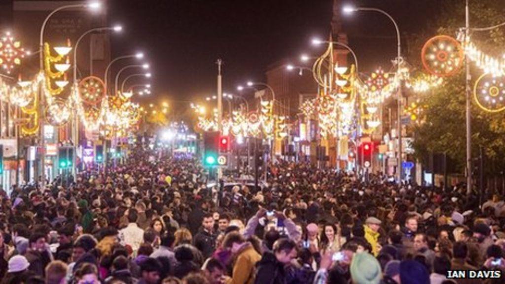 leicester diwali celebrations draw large crowds bbc news