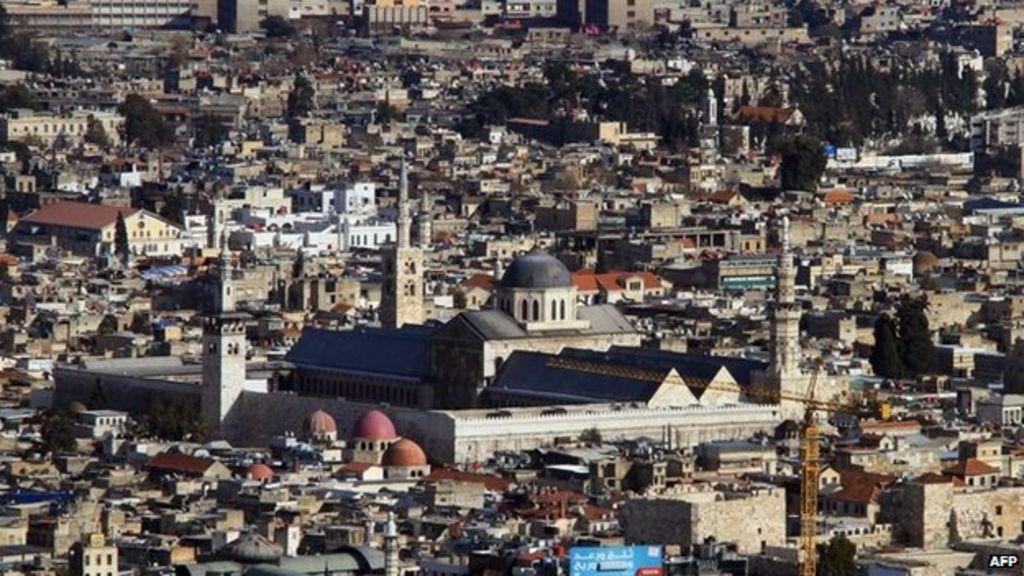 Syria conflict: Mortar near Umayyad Mosque kills three - BBC
