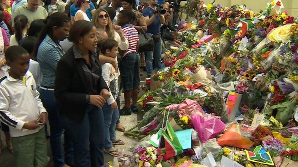 Nelson Mandela death: Daily funeral cortege planned for Pretoria - BBC News