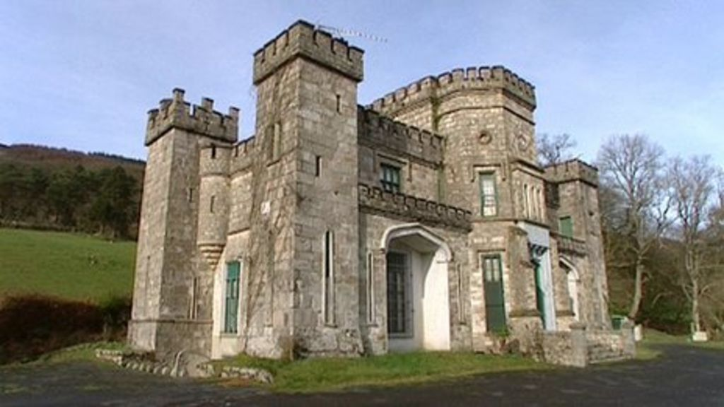 Killeavy castle owners plan to build new hotel in grounds Modern castle plans