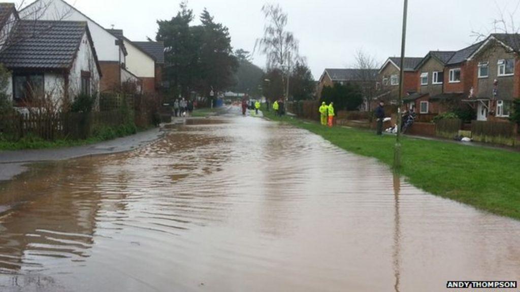 devon floods severe weather prompts several rescues bbc. Black Bedroom Furniture Sets. Home Design Ideas