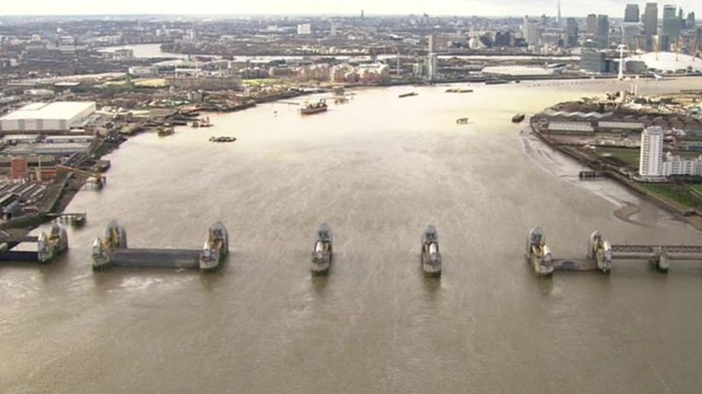 UK floods: A helicopter journey along the flooded Thames
