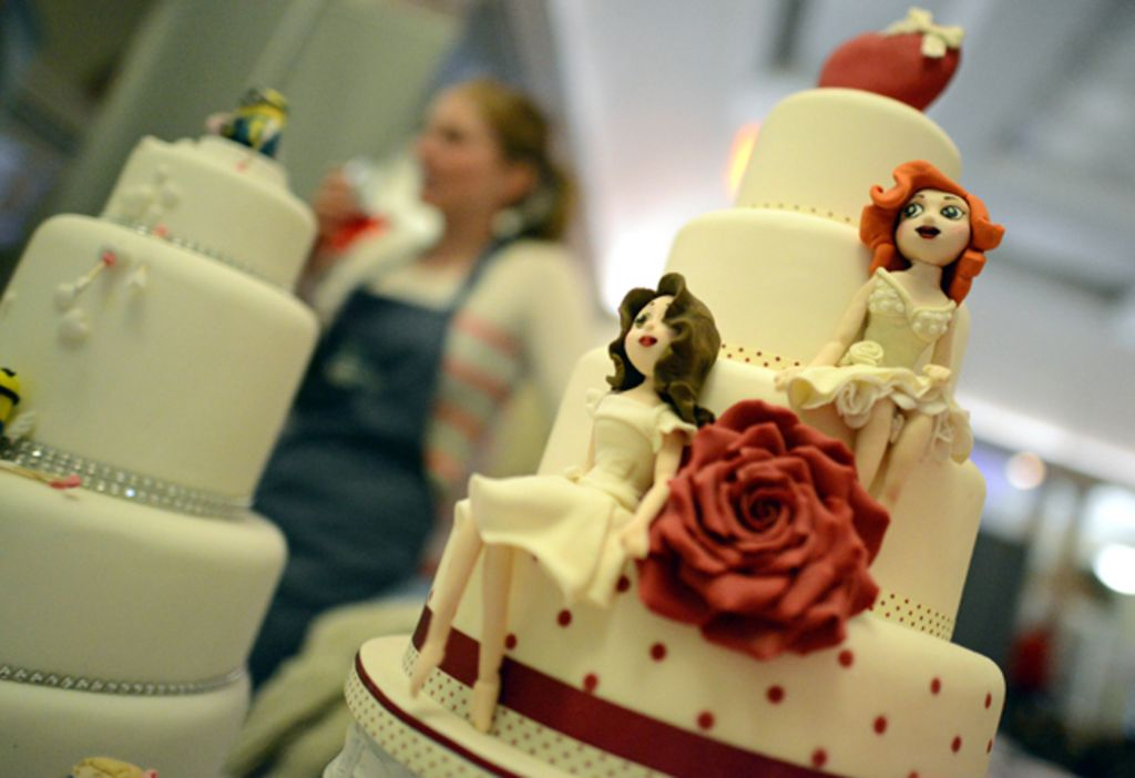 wedding cakes for gay couples the who oppose the marriage news 24373