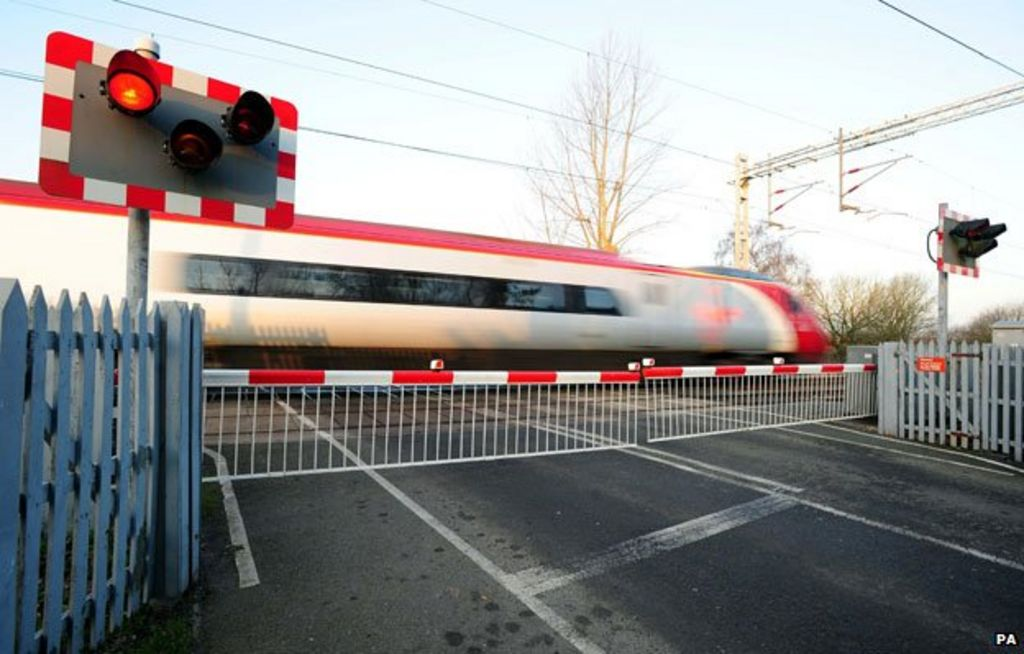 The level crossing wars - BBC News