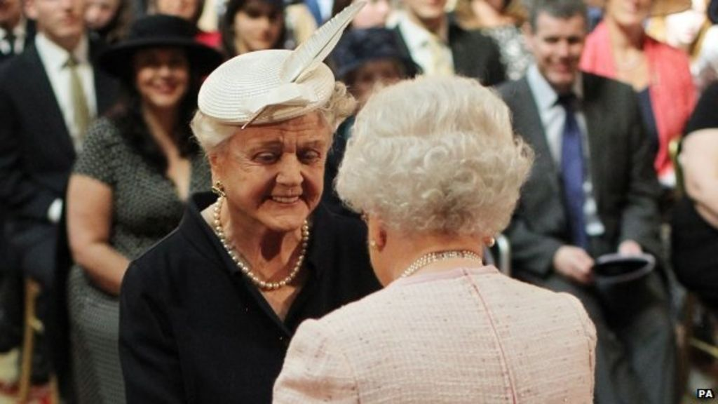 Angela Lansbury 'proud' to be made a Dame by the Queen - BBC News