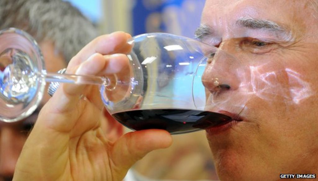 US overtakes France as world's biggest wine market - BBC News