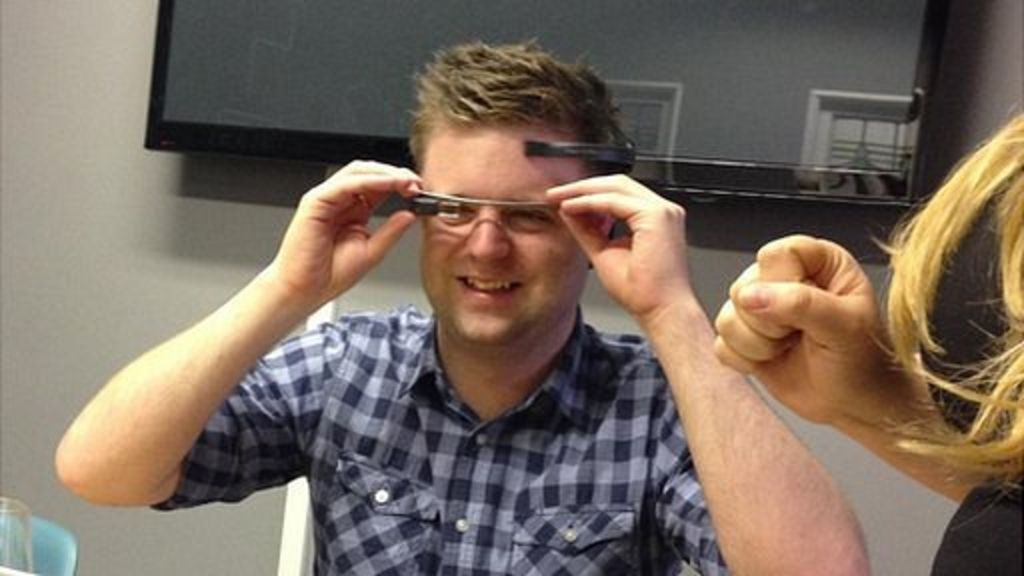 Google Glass hack allows brainwave control - BBC News
