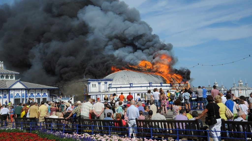 In pictures: Eastbourne Pier fire - BBC News