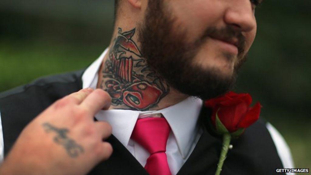 6241796d49 Should anti-tattoo discrimination be illegal  - BBC News