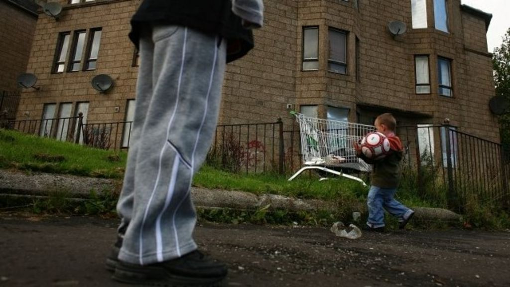 essay on child poverty in the uk Child poverty has been described by peter townsend, sociologist and child poverty action group founder, as when people 'lack the resources to obtai.