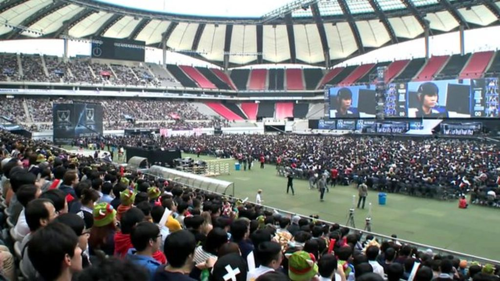 Thousands Turned Up For The League Of Legends World Championship In Seoul