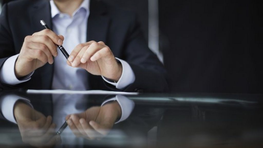 what makes a good business leader essay