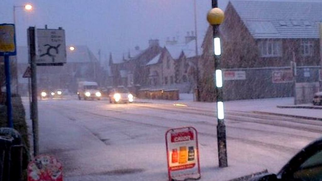 weather ni  yellow warning for snow and ice issued by met