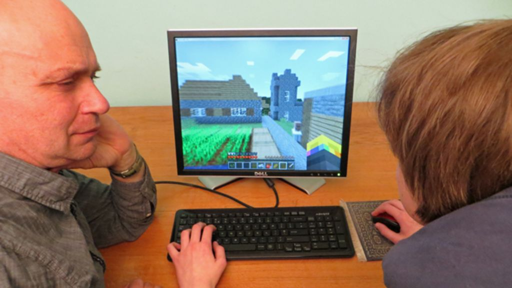 Should parents ever worry about Minecraft? - BBC News