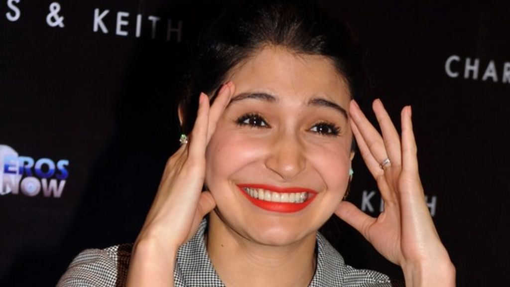 Image result for anushka sharma smiling