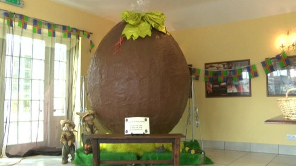 Uk Chocolatier Creates Seven Foot Tall Easter Egg Bbc News