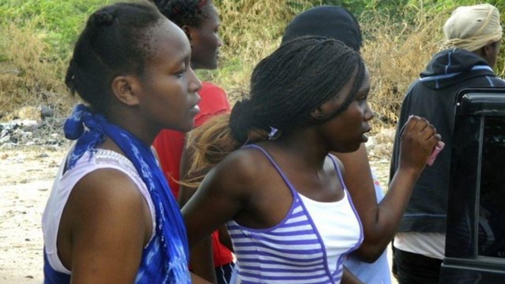 Kenya Garissa students taken hostage by al-Shabab - BBC News