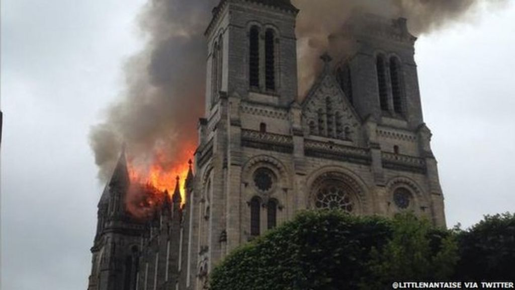 france basilica fire saint donatien in nantes in ruins bbc news. Black Bedroom Furniture Sets. Home Design Ideas
