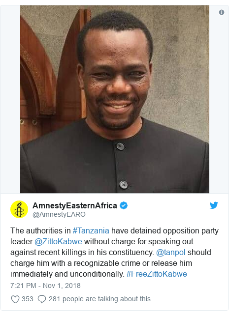 Ujumbe wa Twitter wa @AmnestyEARO: The authorities in #Tanzania have detained opposition party leader @ZittoKabwe without charge for speaking out against recent killings in his constituency. @tanpol should charge him with a recognizable crime or release him immediately and unconditionally. #FreeZittoKabwe
