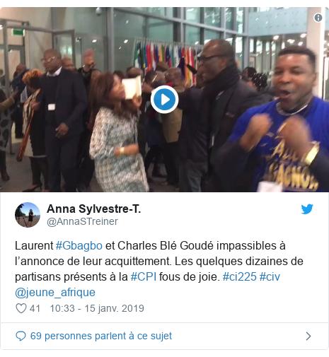 Twitter publication par @AnnaSTreiner: Laurent #Gbagbo et Charles Blé Goudé impassibles à l'annonce de leur acquittement. Les quelques dizaines de partisans présents à la #CPI fous de joie. #ci225 #civ @jeune_afrique