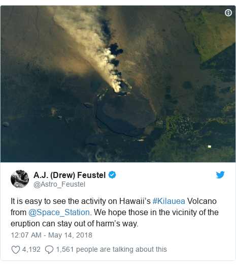 Ujumbe wa Twitter wa @Astro_Feustel: It is easy to see the activity on Hawaii's #Kilauea Volcano from @Space_Station. We hope those in the vicinity of the eruption can stay out of harm's way.