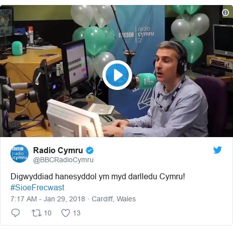 Twitter post by @BBCRadioCymru: Digwyddiad hanesyddol ym myd darlledu Cymru! #SioeFrecwast