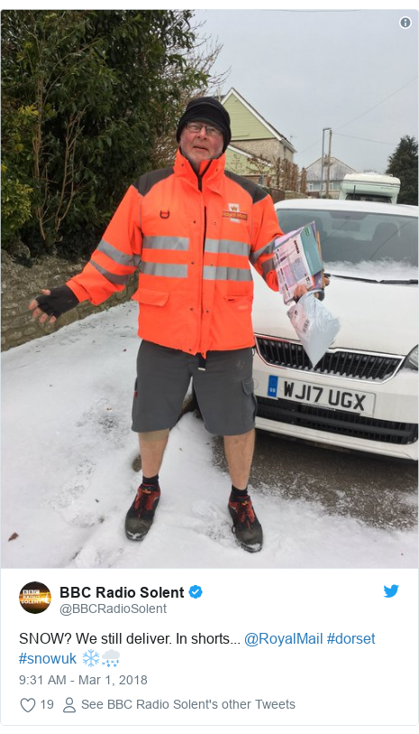 Twitter post by @BBCRadioSolent: SNOW? We still deliver. In shorts... @RoyalMail #dorset #snowuk ❄🌨