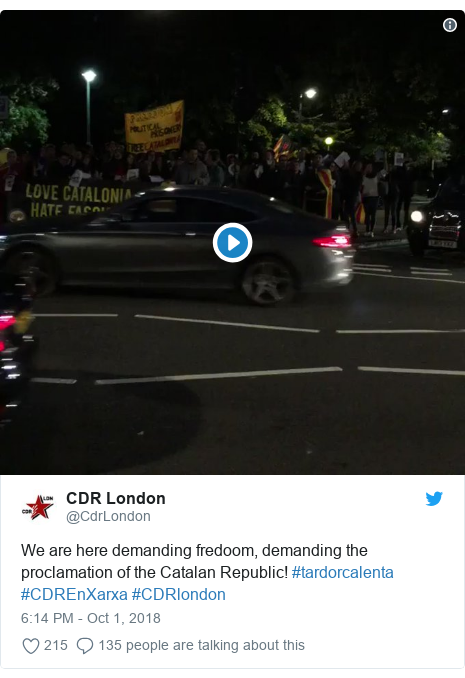 Twitter post by @CdrLondon: We are here demanding fredoom, demanding the proclamation of the Catalan Republic! #tardorcalenta #CDREnXarxa #CDRlondon