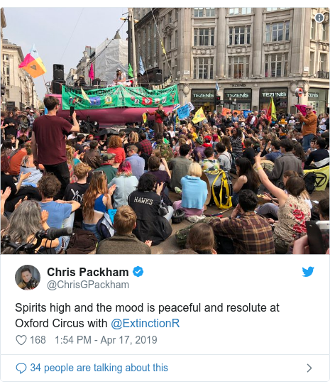 Twitter post by @ChrisGPackham: Spirits high and the mood is peaceful and resolute at Oxford Circus with @ExtinctionR