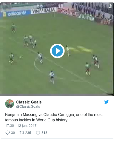 Publicación de Twitter por @ClassicGoaIs: Benjamin Massing vs Claudio Caniggia, one of the most famous tackles in World Cup history.