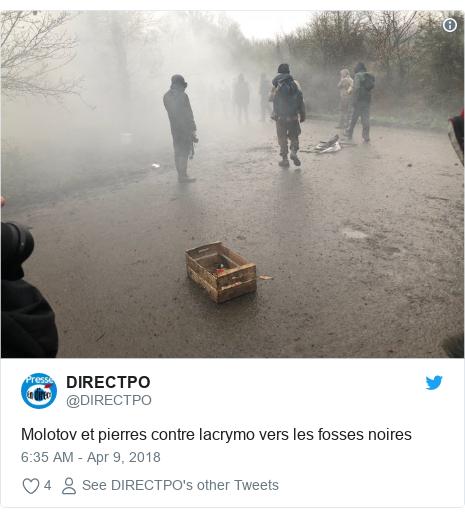 Twitter post by @DIRECTPO: Molotov et pierres contre lacrymo vers les fosses noires