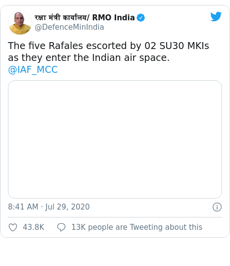 Twitter post by @DefenceMinIndia: The five Rafales escorted by 02 SU30 MKIs as they enter the Indian air space.@IAF_MCC