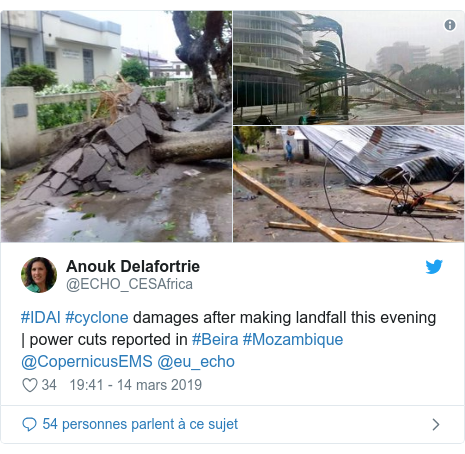 Twitter publication par @ECHO_CESAfrica: #IDAI #cyclone damages after making landfall this evening | power cuts reported in #Beira #Mozambique @CopernicusEMS @eu_echo