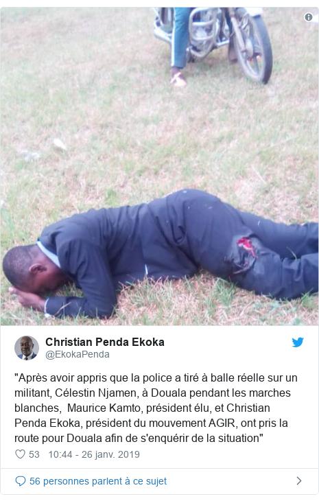 """Twitter publication par @EkokaPenda: """"Après avoir appris que la police a tiré à balle réelle sur un militant, Célestin Njamen, à Douala pendant les marches blanches,  Maurice Kamto, président élu, et Christian Penda Ekoka, président du mouvement AGIR, ont pris la route pour Douala afin de s'enquérir de la situation"""""""