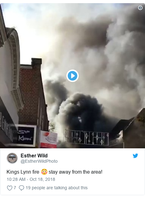 Twitter post by @EstherWildPhoto: Kings Lynn fire 😳 stay away from the area!