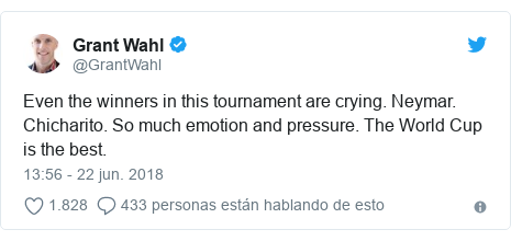 Publicación de Twitter por @GrantWahl: Even the winners in this tournament are crying. Neymar. Chicharito. So much emotion and pressure. The World Cup is the best.