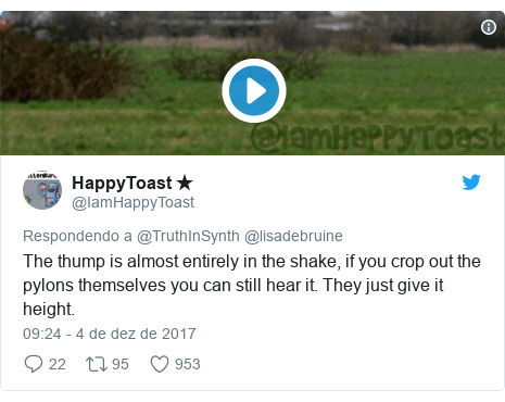 Twitter post de @IamHappyToast: The thump is almost entirely in the shake, if you crop out the pylons themselves you can still hear it. They just give it height.