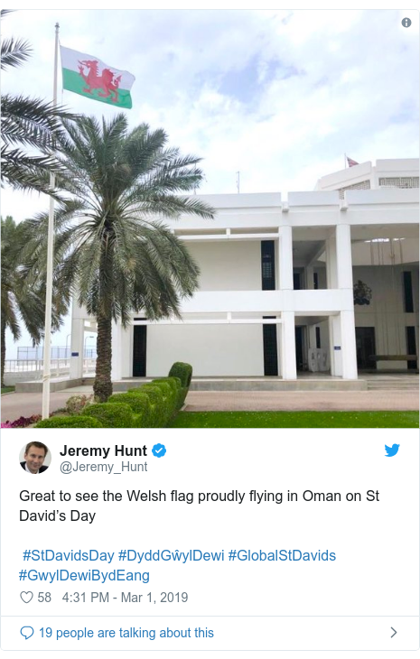 Twitter post by @Jeremy_Hunt: Great to see the Welsh flag proudly flying in Oman on St David's Day #StDavidsDay #DyddGŵylDewi #GlobalStDavids #GwylDewiBydEang